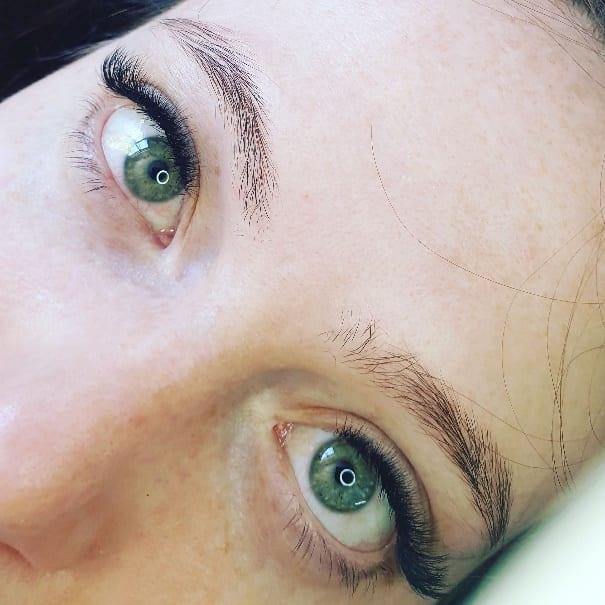 Rae Rose - Choosing a Lash Extensions Artist